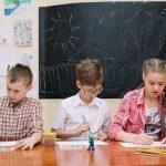Fördelar med att använda IKT i skolaktiviteter för elever med motorisk, tal, syn eller hörselnedsättning